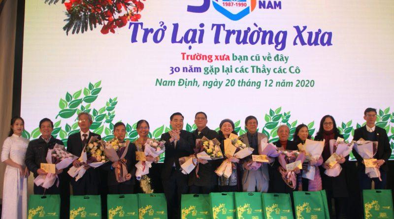 Doanh nhân Trần Văn Mười điểm sáng trong thế hệ cựu học sinh trường PTTH Xuân Vinh, Xuân Trường !