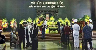 Lễ tang Giáo sư – Anh hùng lao động Vũ Khiêu